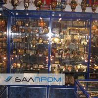 Витрины для магазина сувениров