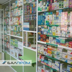 Витрины в аптеке